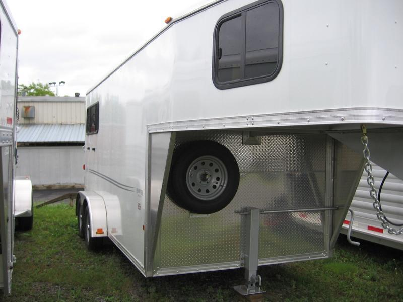 2015 Frontier Strider 2H Slant Horse Trailer - REDUCED