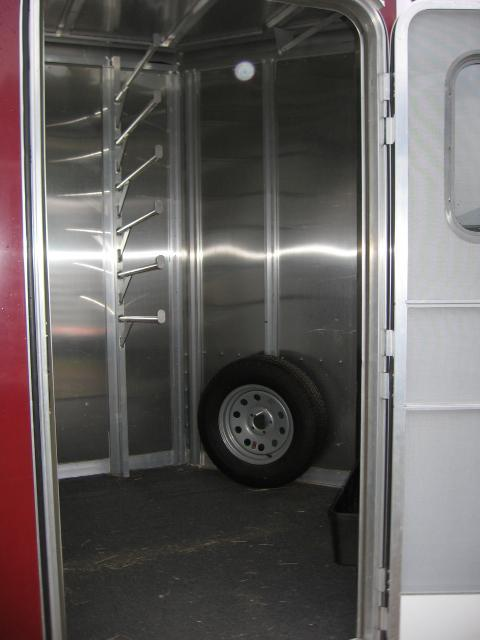 2016 Featherlite 2H-ST-BP-MG Horse Trailer