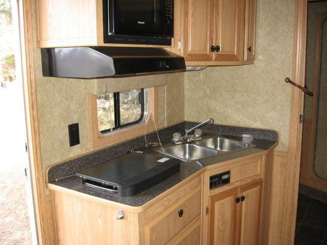2008 Exiss Trailers ES 8312 Horse Trailer - PRICE REDUCED