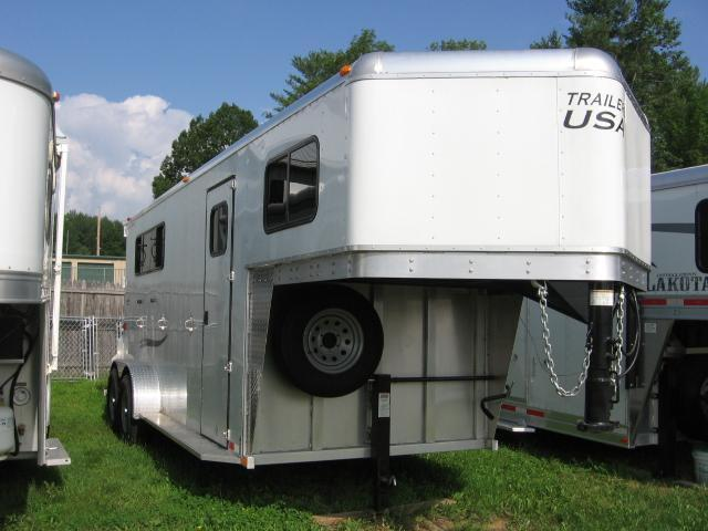 2017 Trailers USA Inc. 3H-GN Horse Trailer