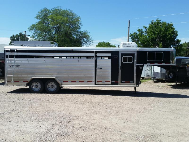 2012 Logan Coach 24' STOCK COMBO Livestock Trailer