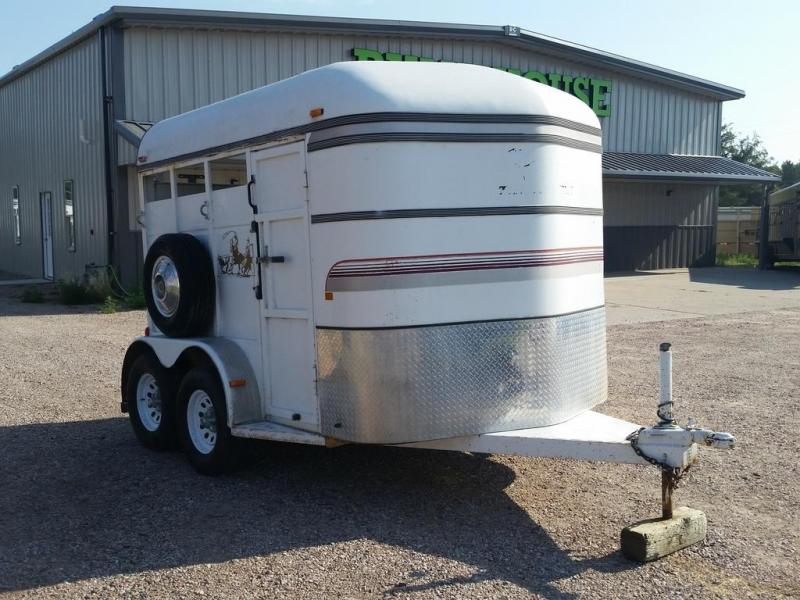 2004 Thuro-Bilt 10' 2 Horse Trailer