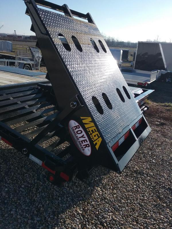 2019 Big Tex 22GN-25BK5MR Flatbed Trailer