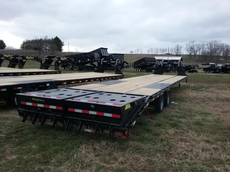Big Tex 22GN 35 Plus 5 Flatbed Trailer