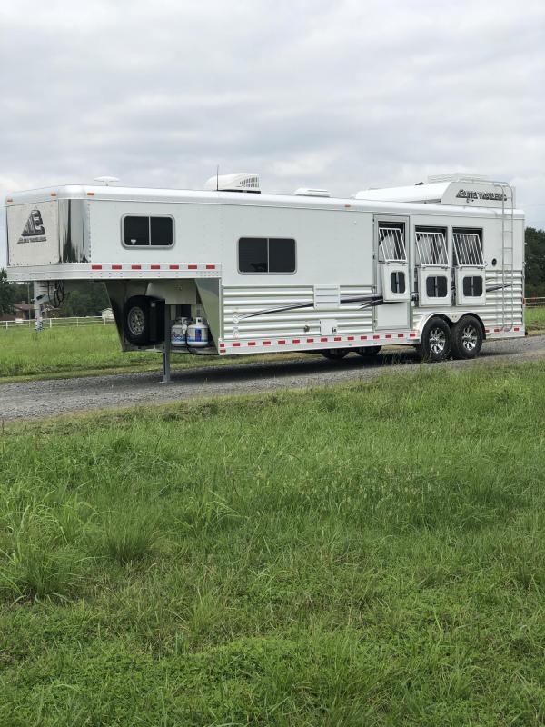 2019 Elite Trailers 3 Horse Mustang LQ Horse Trailer