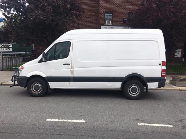 2011 Freightliner Sprinter 2500 Van