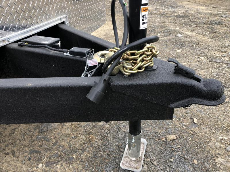 2019 Wells Cargo 8.5x24' RoadForce Enclosed Car Trailer 9990# GVW * WHITE * RAMP DOOR * ROUND TOP * SCREWLESS