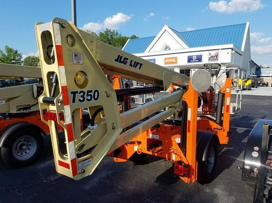 T350 35' Articulating boom lift