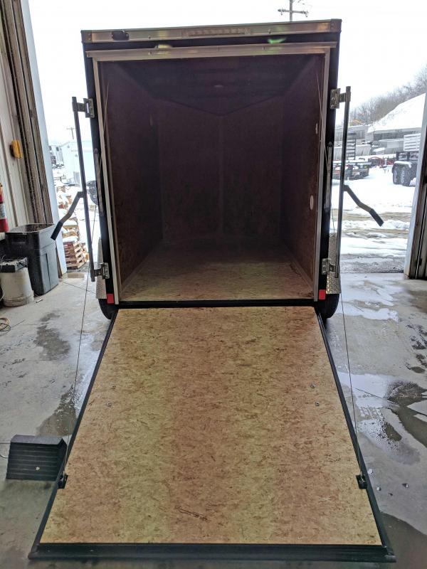 NEW 2019 Cargo Express 5X8 EX DLX V-Nose Cargo w/ Ramp