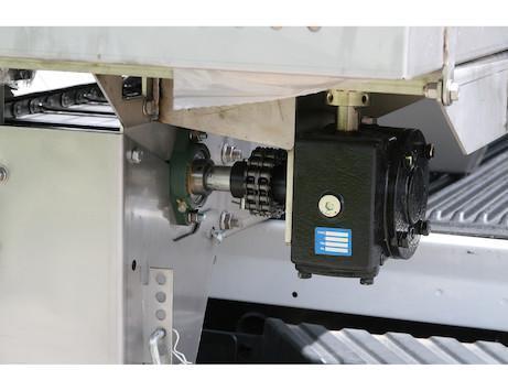NEW Saltdogg 2.0 Cu Yd 8' Gas Stainless Steel Hopper Spreader w/ Standard Chute