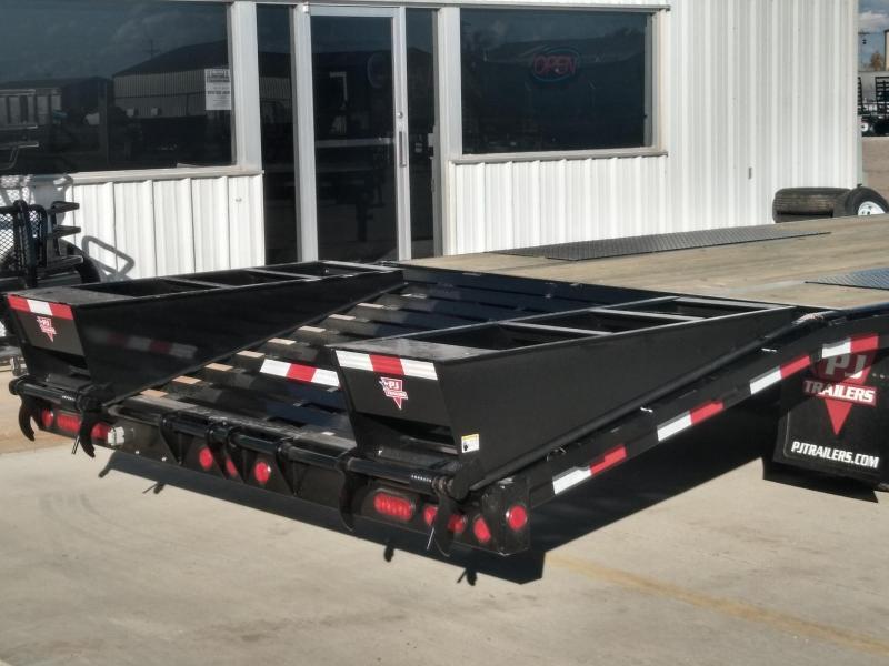 "2019 PJ 30' x 102"" Low-Pro Flatdeck with Duals"