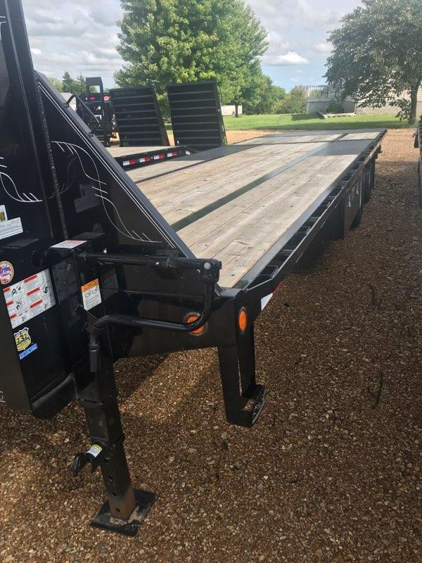 "2018 Load Trail 102"" X 30' Tandem Low-pro Gooseneck Equipment Trailer"