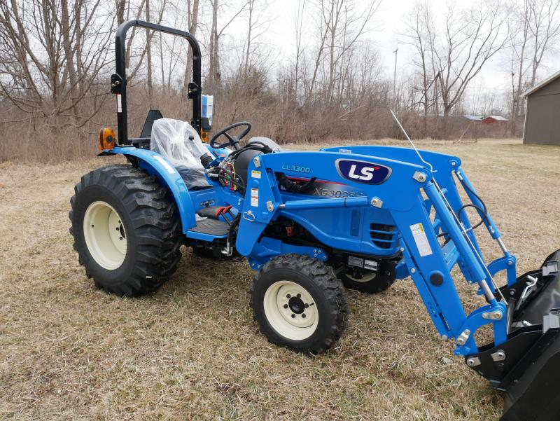 2019 LS Tractor XG3025H 4x4 Compact Tractor | Lawn Mowers and