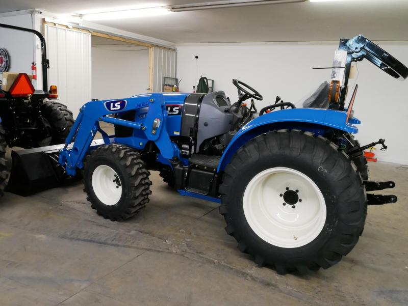 2019 LS Tractor XR4140H Tractor