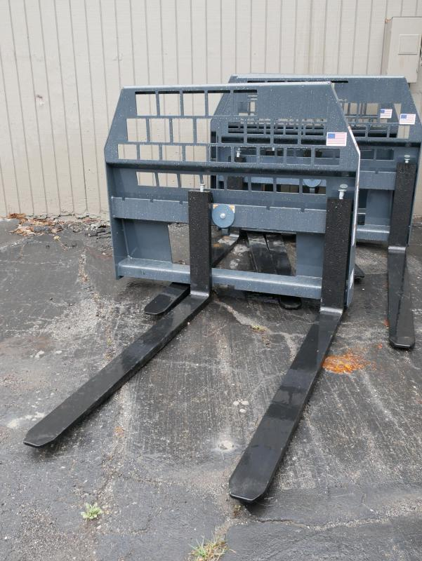 2018 Woods 48 HD Pallet Forks Attachment