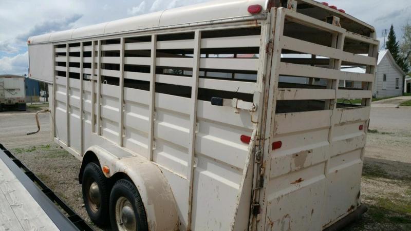 1981 Western Livestock Trailer