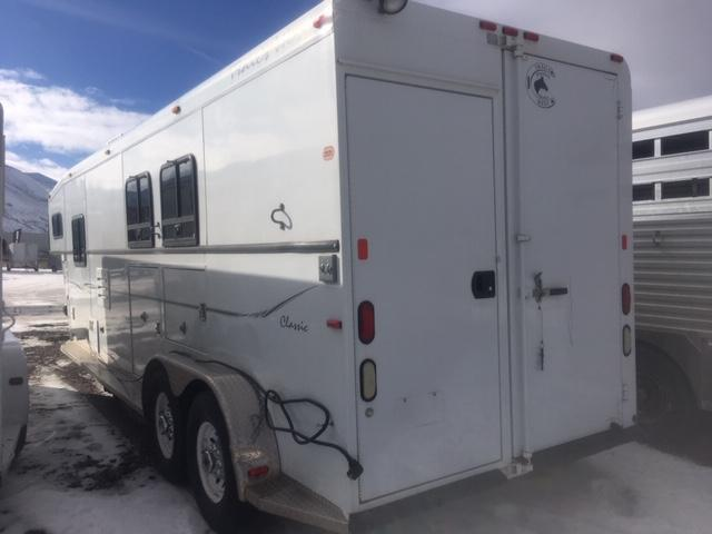 2003 Trails West Classic 2h Living Quarter Trailer