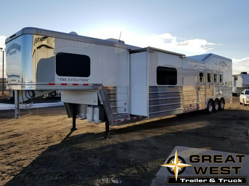 2018 Bloomer Trailer Manufacturing 18 SW 4H PC Slide Out Horse Trailer in Ashburn, VA