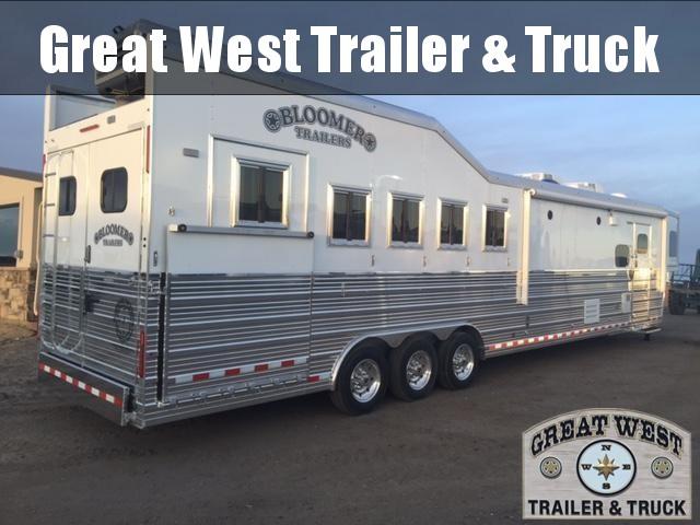 2017 Bloomer Trailer Manufacturing Horse Trailer