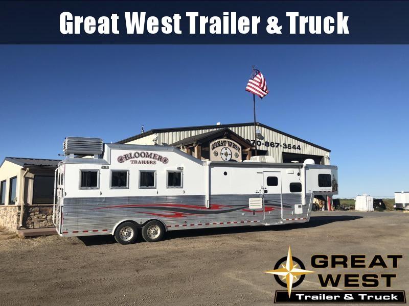 2014 Bloomer Trailer Manufacturing 4H LQ Horse Trailer