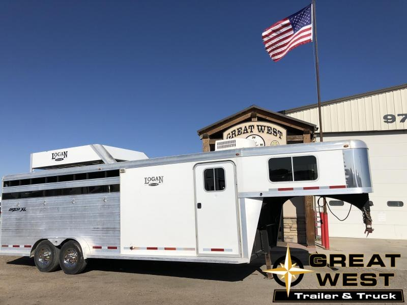 2011 Logan Coach RAZOR Horse Trailer in Ashburn, VA