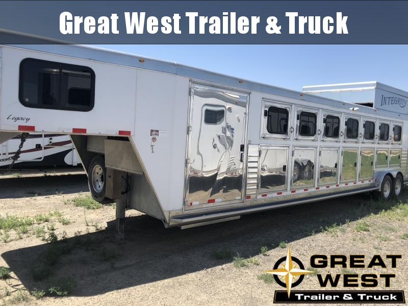 2008 Integrity Trailers 7H Trainer Air Ride Horse Trailer