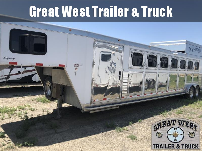 2008 Integrity Trailers 7H Trainer Horse Trailer