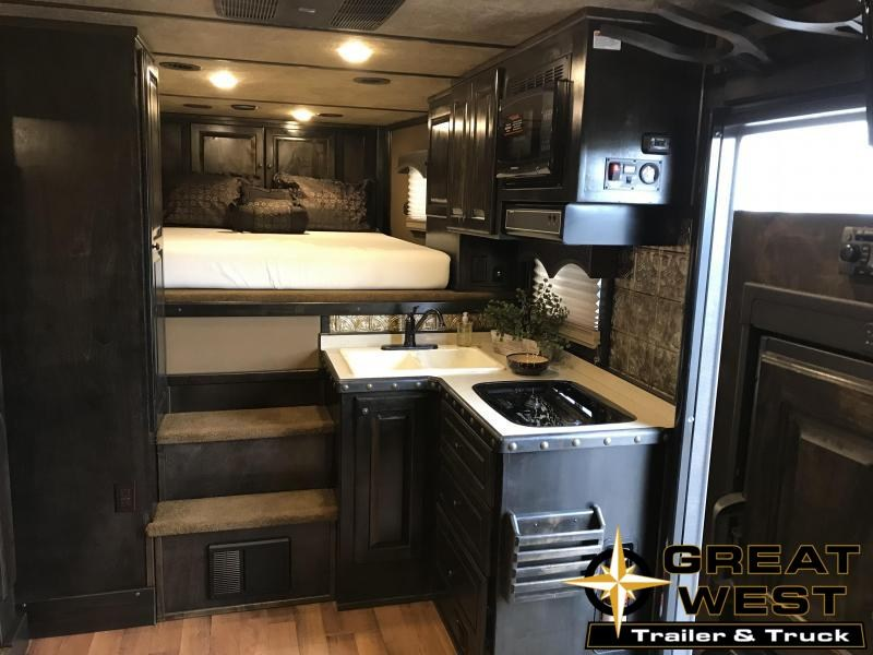 2018 Platinum Coach 4H w/ LQ Horse Trailer in Ashburn, VA