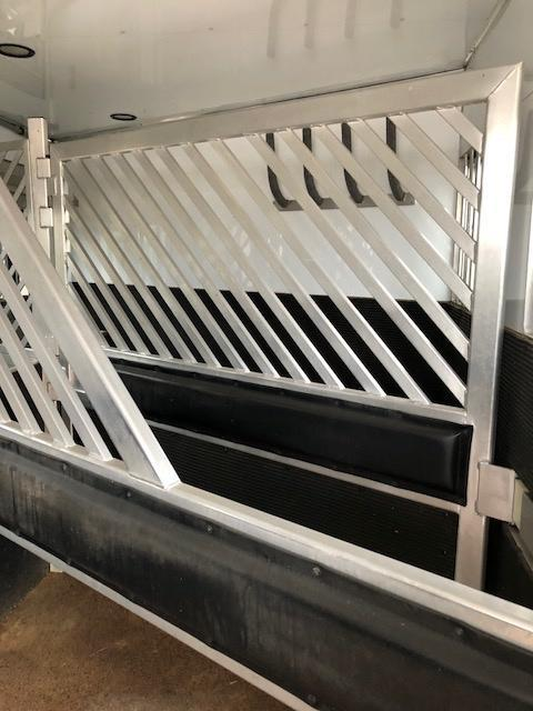 2011 Bloomer Trailer Manufacturing Horse Trailer
