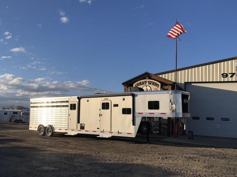 2019 Exiss Trailers 8032 LQ Livestock Trailer