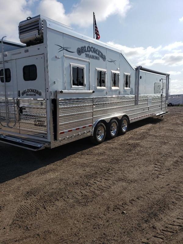 "2020 Bloomer 15'4"" SW 4 Horse Rear Side Load Horse Trailer"