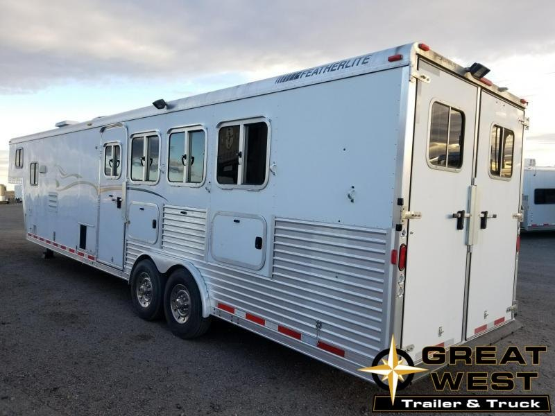 2006 Featherlite 13ft SW 4 Horse Horse Trailer