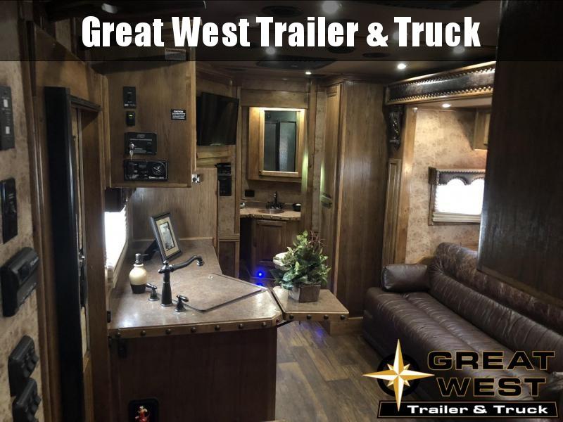 2015 Bloomer Trailer Manufacturing 4H LQ Horse Trailer
