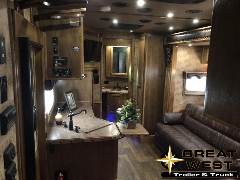 2015 Bloomer Trailer Manufacturing 4H LQ Horse Trailer