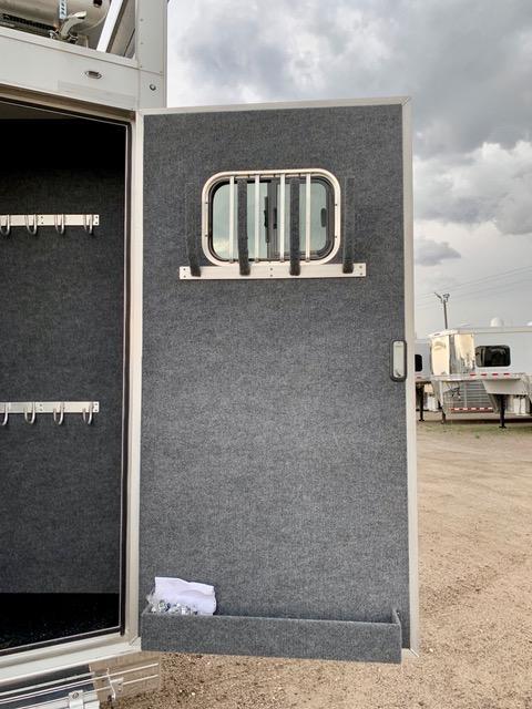 2020 Bloomer 2020 Bloomer 4H Slide Out Side Load Trailer Horse Trailer