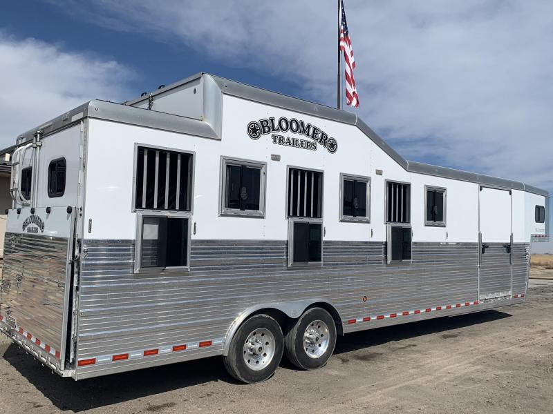 2017 Bloomer 6 Horse Trainer Horse Trailer in Ashburn, VA