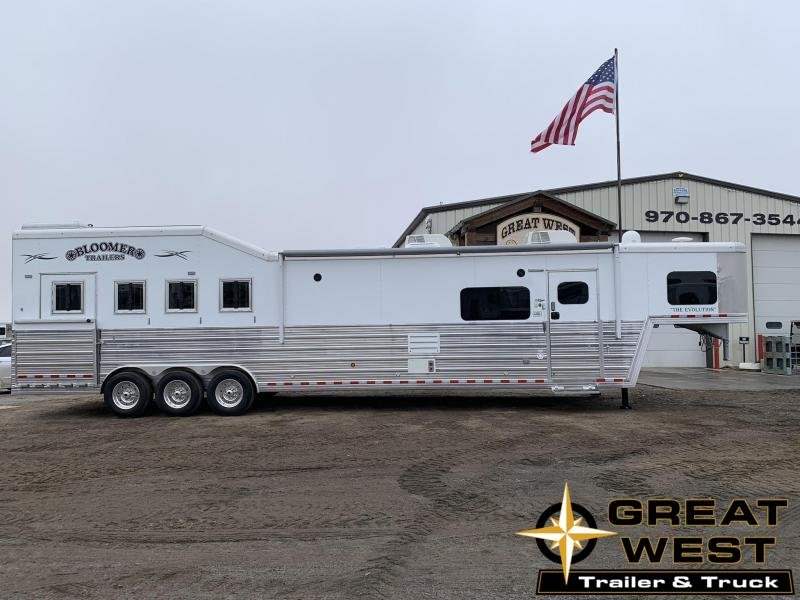 2019 Bloomer Trailer Manufacturing 4 Horse 17.9 in Ashburn, VA