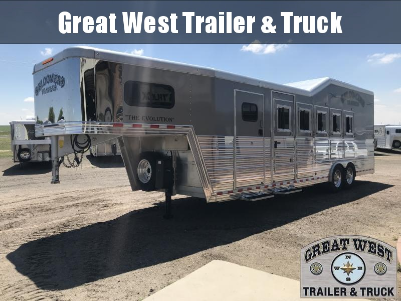 2016 Bloomer Trailer Manufacturing 5 Horse Trainer Trailer