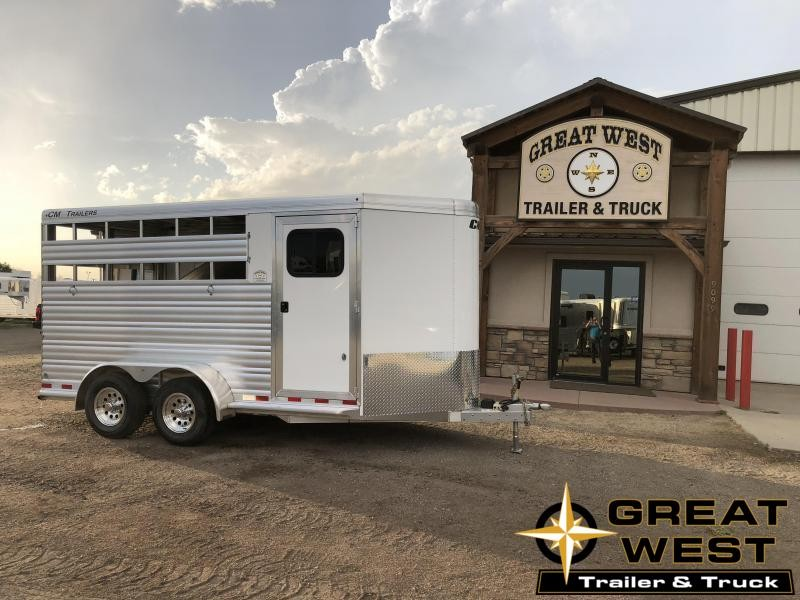 2019 CM Renegade 3 Horse Trailer w/ REAR Tack