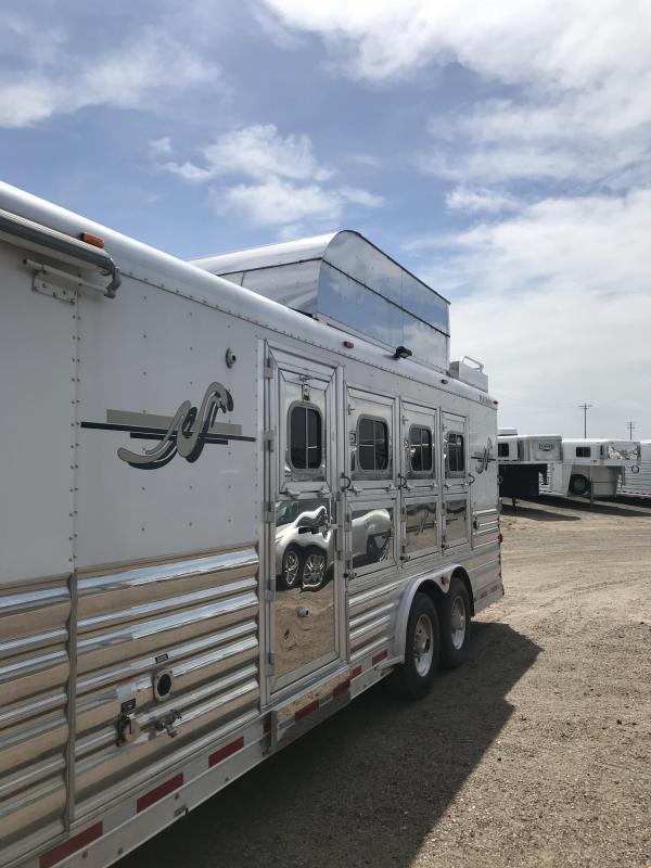 2009 Platinum Coach 17SW 4H Horse Trailer