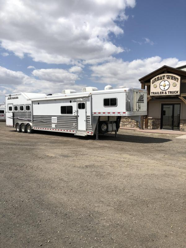 2015 Elite Trailer w/17ft SW Slide Out OUTLAW interior 4 Horse  PC Load Trailer