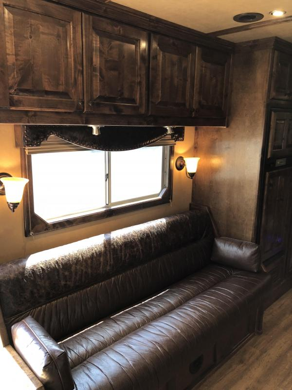 2015 Elite Trailer w/17ft SW Slide Out OUTLAW interior 4 Horse  PC Load Trailer