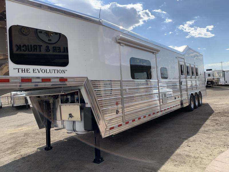 2019 Bloomer 16 Short Wall 4 Horse Slide Out Rear Side Load Horse Trailer
