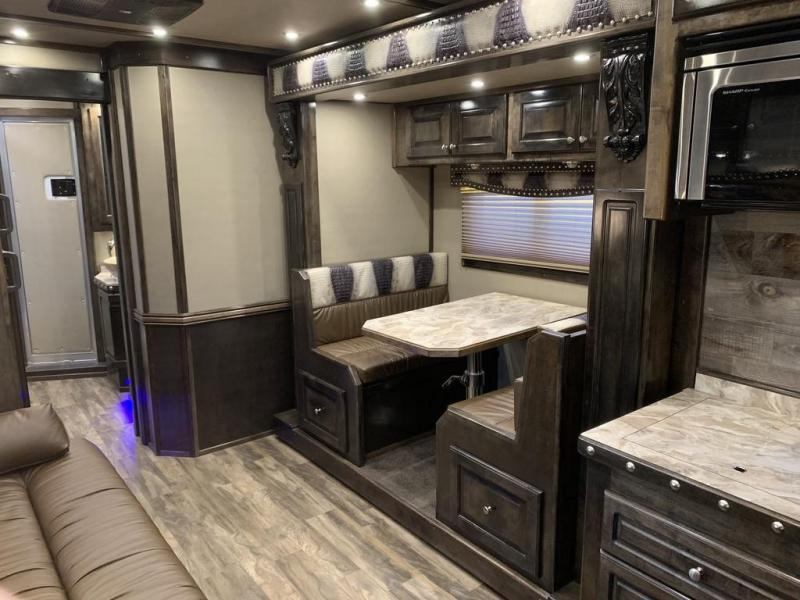 2019 Bloomer 17' SW 4 Horse PC Load Horse Trailer