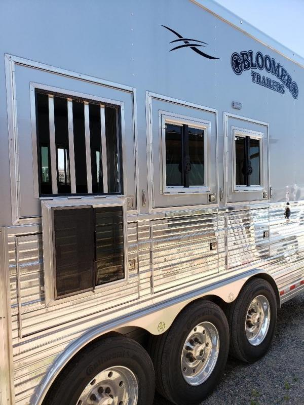 """2020 Bloomer 17'9"""" Short Wall 4 Horse PC load Trailer"""