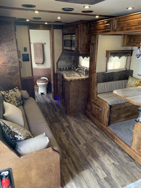 2019 Bloomer 4 Horse 15.9 ft Living Quarters Horse Trailer