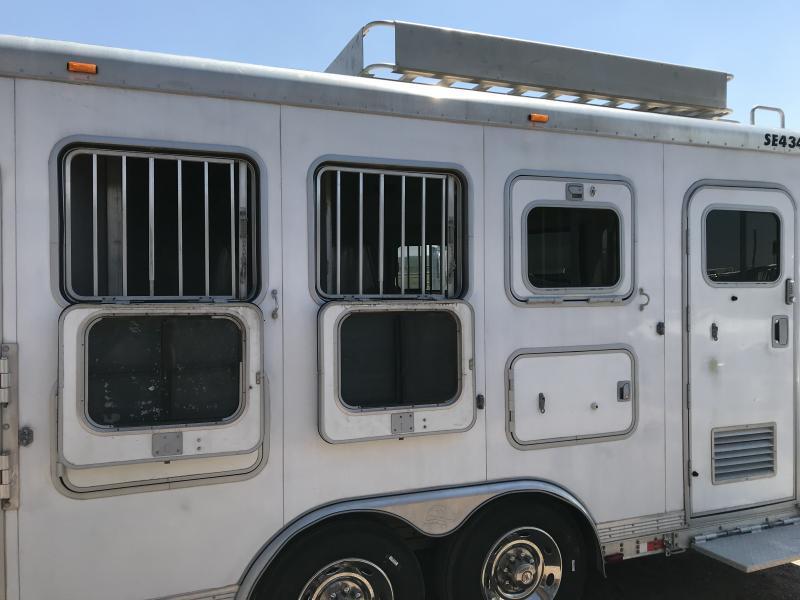 2004 Sooner 4H LQ Horse Trailer