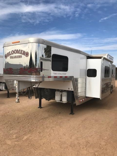 2013 Bloomer Trailer Manufacturing 14Short Wall 4H Slide Out Horse Trailer