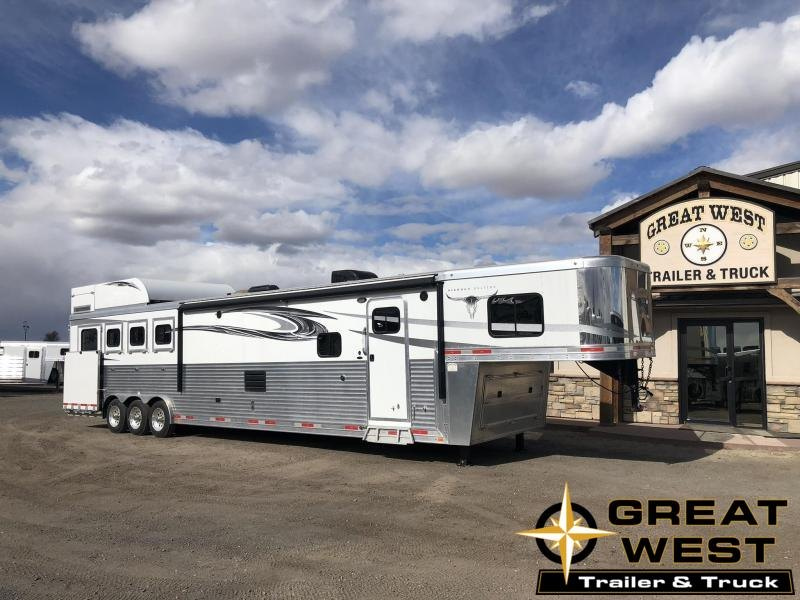 2017 Lakota Big Horn 4H 17ft LQ Slide Out PC load Horse Trailer
