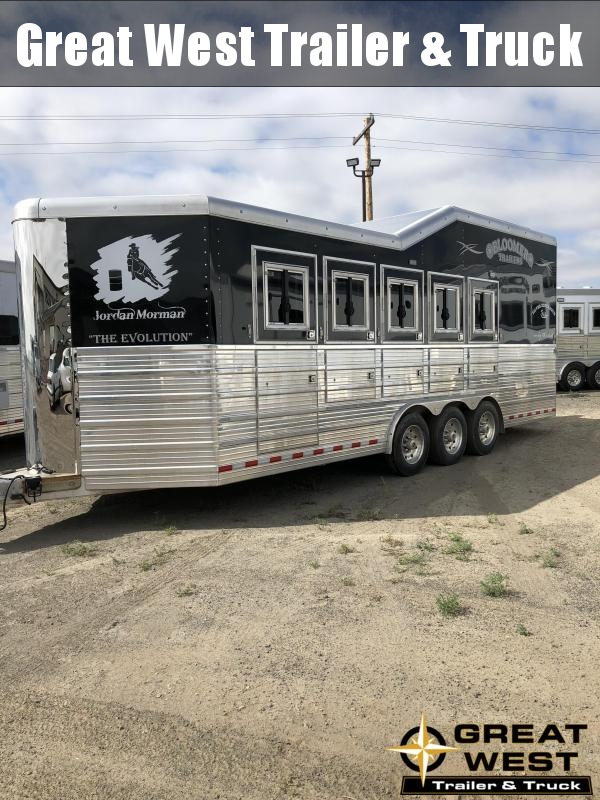 2017 Bloomer 5 Horse Trailer PC Load